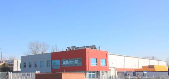 Rozbudowa Zakładu Produkcji Elementów Budowlanych KONTENER w Płocku o hale malarni i montażu kontenerów z zapleczem socjalno – biurowym. Hala stalowa z suwnicą natorową i kotłownią olejową